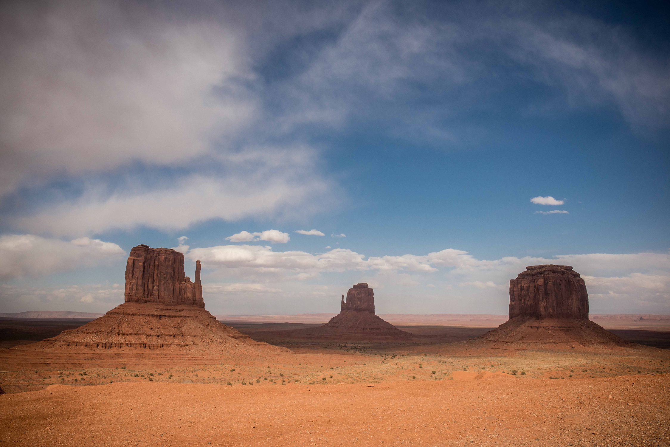 180360_MonumentValley_TheMittensandMerrickButte
