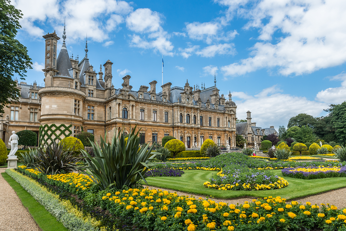 Cambridge England Day Trip to Waddesdon Manor